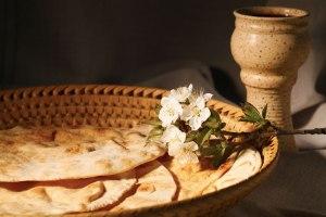 Panes sin levadura y vino sin fermentar